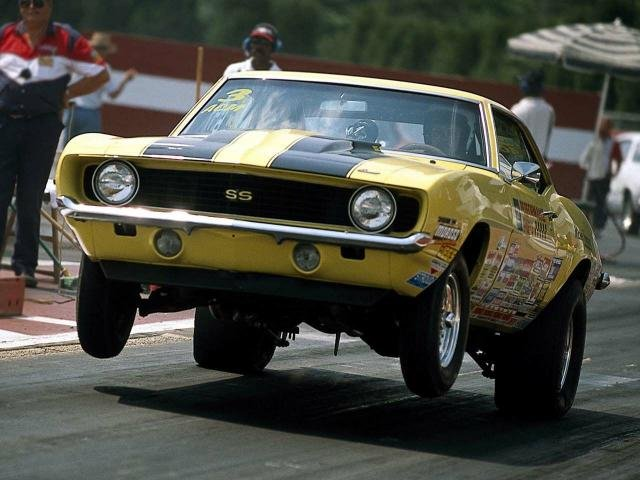 Click to Play Camaro Drag Racing Jigsaw Puzzle